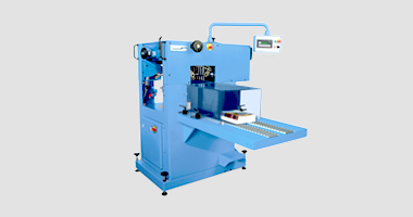 Prinova Saddle Stitcher Produce (Ultra) Short Runs Efficiently with Apollo compensating Stacker